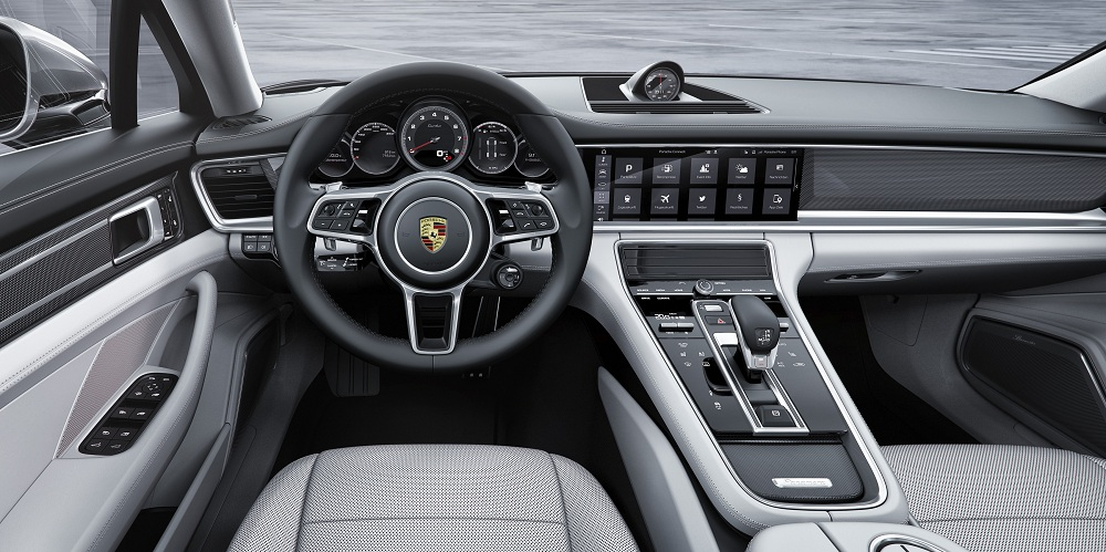 Porsche Panamera Turbo Executive interior