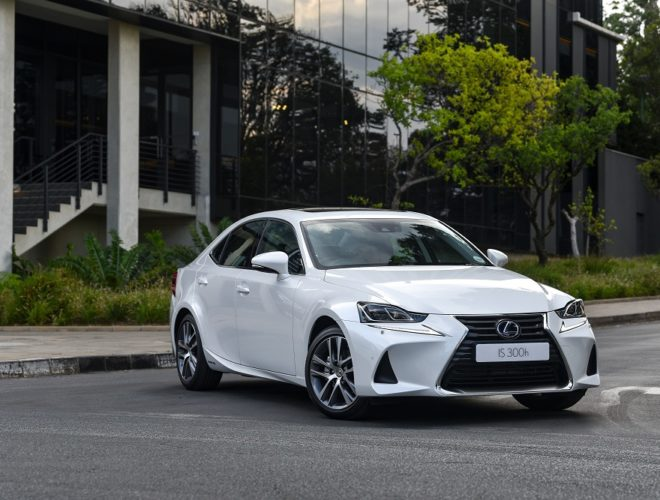 Lexus IS 300h SE
