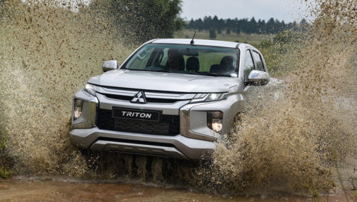 Mitsubishi Triton water splash